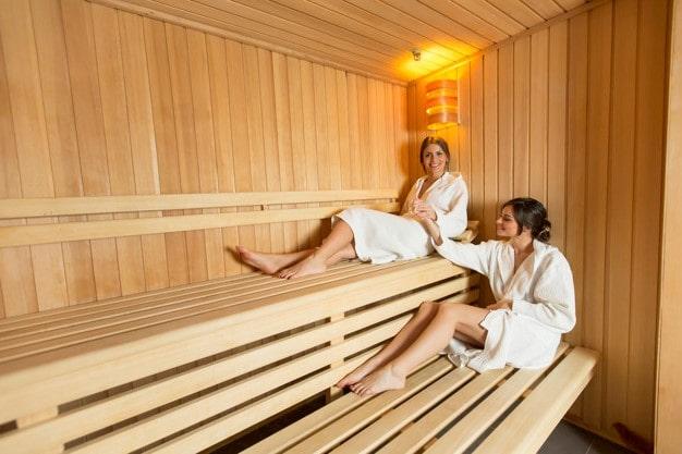 Оздоровительные процедуры в бане, помогает ли баня от боли в мышцах