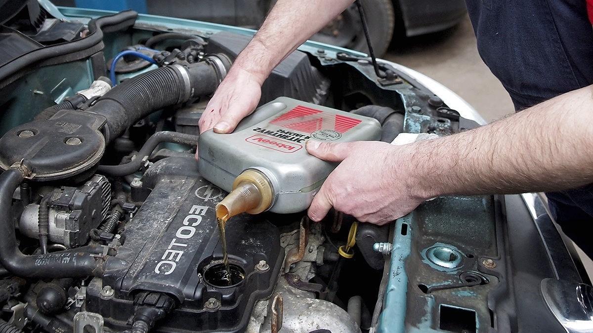 Как подобрать масло для авто, Как выбрать качественное моторное масло